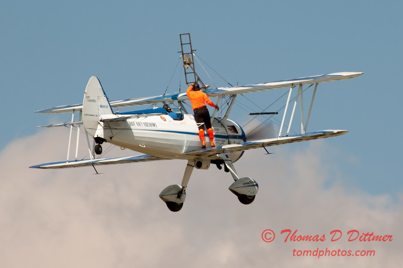 968 - Wingwalker Tony Kazian and Dave Dacy perform at Wings over Waukegan 2012