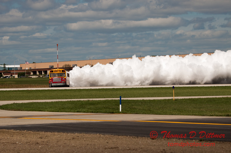 875 - Paul Stender and the Indy Boys School bus ignites the crowd at Wings over Waukegan 2012