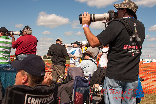 1333 - Members of the Midwest Photography Gang at Wings over Waukegan 2012