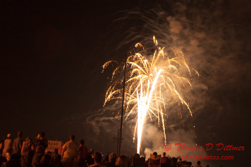 221 - The 30th Annual Fireworks and Air Show Spectacular - AY McDonald Park and Boat Ramp - Dubuque Iowa