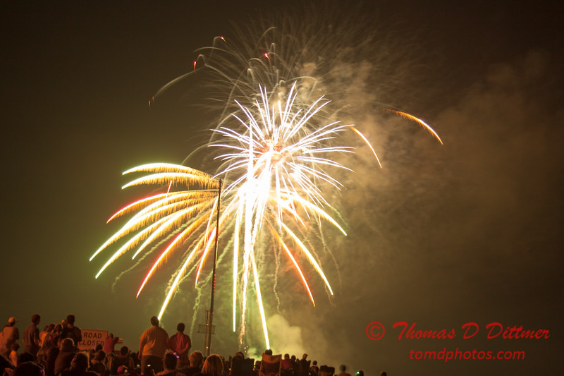 213 - The 30th Annual Fireworks and Air Show Spectacular - AY McDonald Park and Boat Ramp - Dubuque Iowa