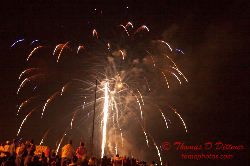 207 - The 30th Annual Fireworks and Air Show Spectacular - AY McDonald Park and Boat Ramp - Dubuque Iowa