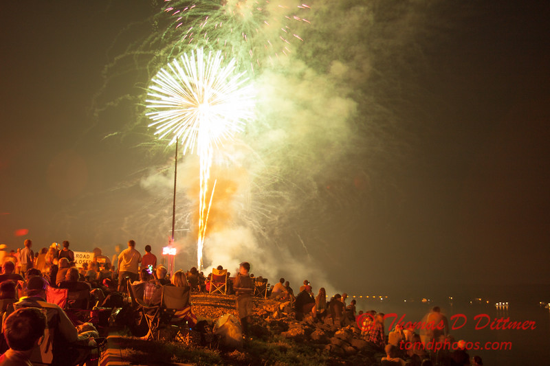 162 - The 30th Annual Fireworks and Air Show Spectacular - AY McDonald Park and Boat Ramp - Dubuque Iowa
