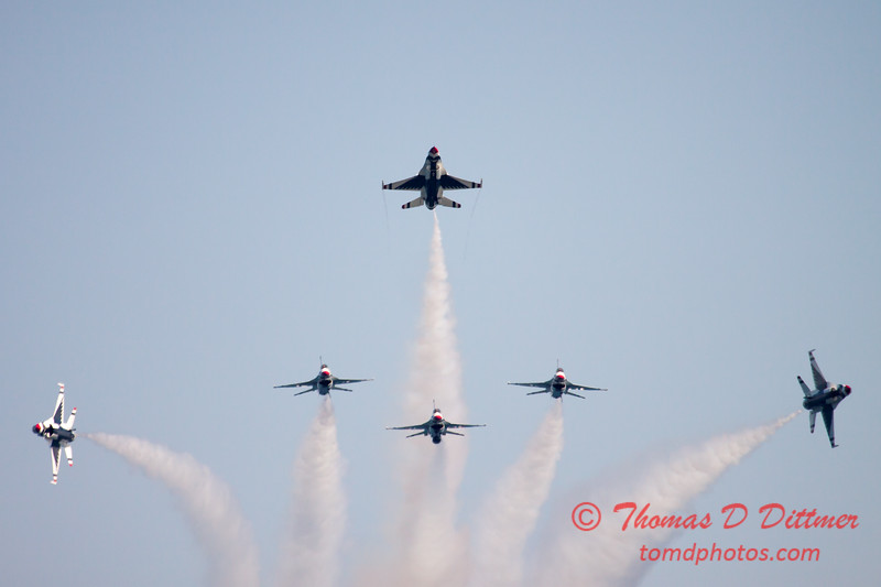 435 -  2015 Milwaukee Air & Water Show - Bradford Beach - Milwaukee Wisconsin