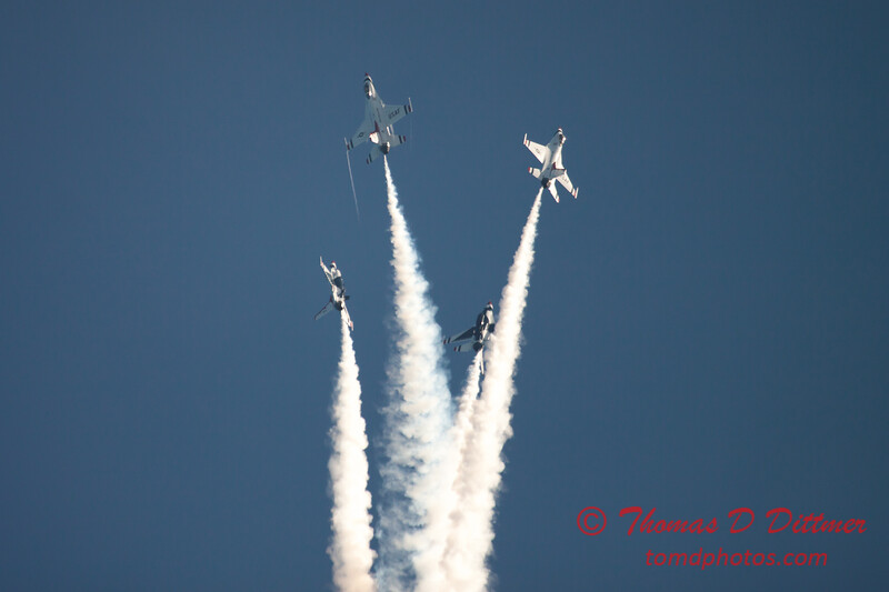 440 -  2015 Milwaukee Air & Water Show - Bradford Beach - Milwaukee Wisconsin