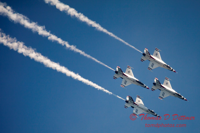 346 -  2015 Milwaukee Air & Water Show - Bradford Beach - Milwaukee Wisconsin