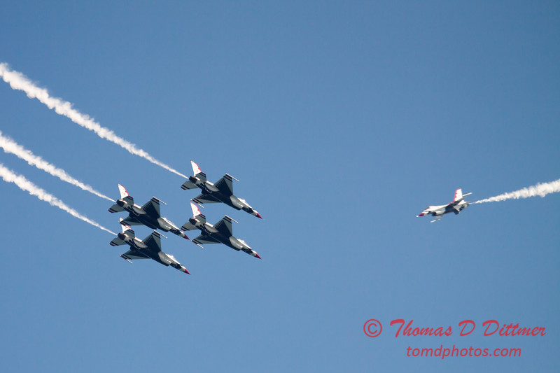 415 -  2015 Milwaukee Air & Water Show - Bradford Beach - Milwaukee Wisconsin