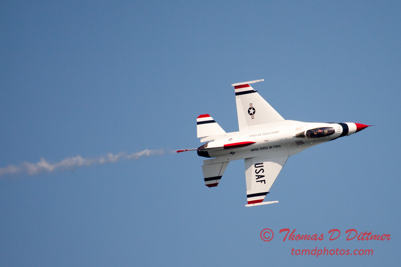 349 -  2015 Milwaukee Air & Water Show - Bradford Beach - Milwaukee Wisconsin