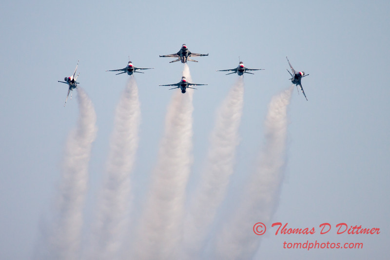 430 -  2015 Milwaukee Air & Water Show - Bradford Beach - Milwaukee Wisconsin