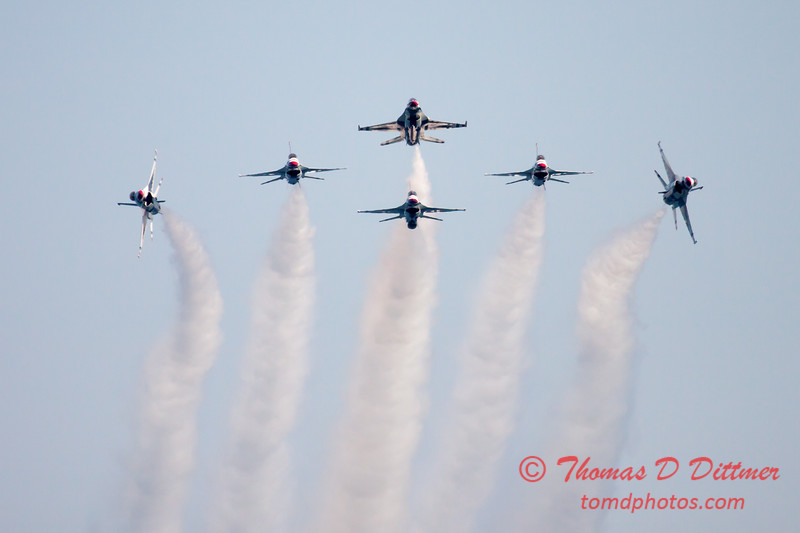 431 -  2015 Milwaukee Air & Water Show - Bradford Beach - Milwaukee Wisconsin