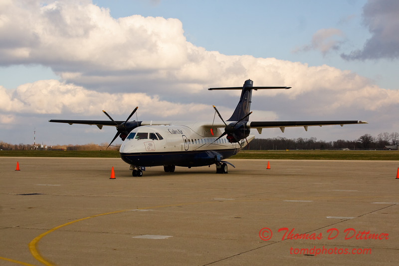 Calm Air ATR 42 - 300 - Byerly Ramp - Greater Peoria Regional Airport - Peoria Illinois - December 3rd 2009 - 1