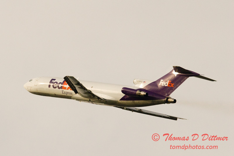 Federal Express B727 departing Peoria Illinois
