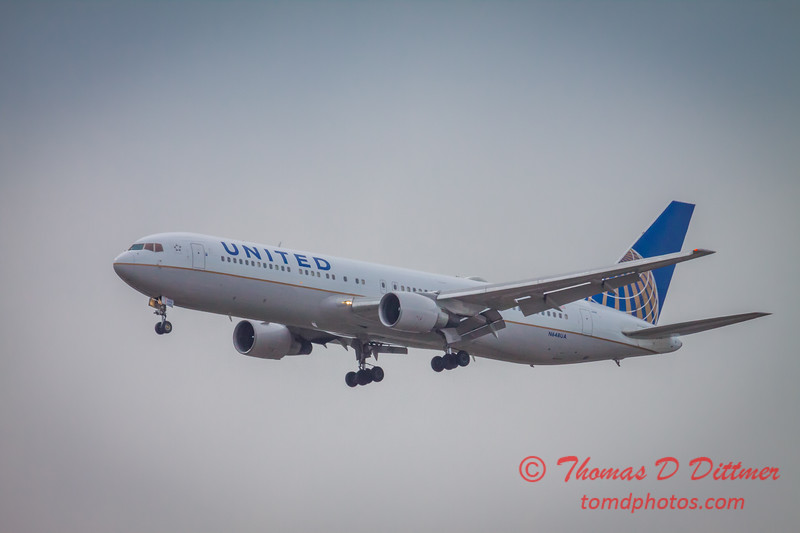 (# 1) United Airlines Boeing 767