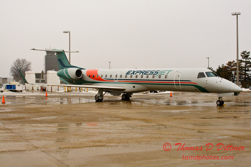 2010 - Express Jet - Greater Peoria Regional Airport - Peoria Illinois - January 21 - 11
