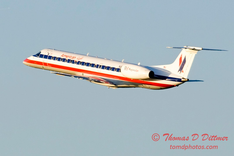 E145 - Embraer 145 - Greater Peoria Regional Airport - Peoria Illinois - June 5 2009 - 3