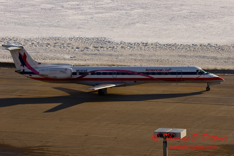 2010 - American Eagle - Greater Peoria Regional Airport - Peoria Illinois - January 6th - 5