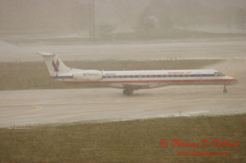 American Eagle - Greater Peoria Regional Airport - December 9th 2009 - 5