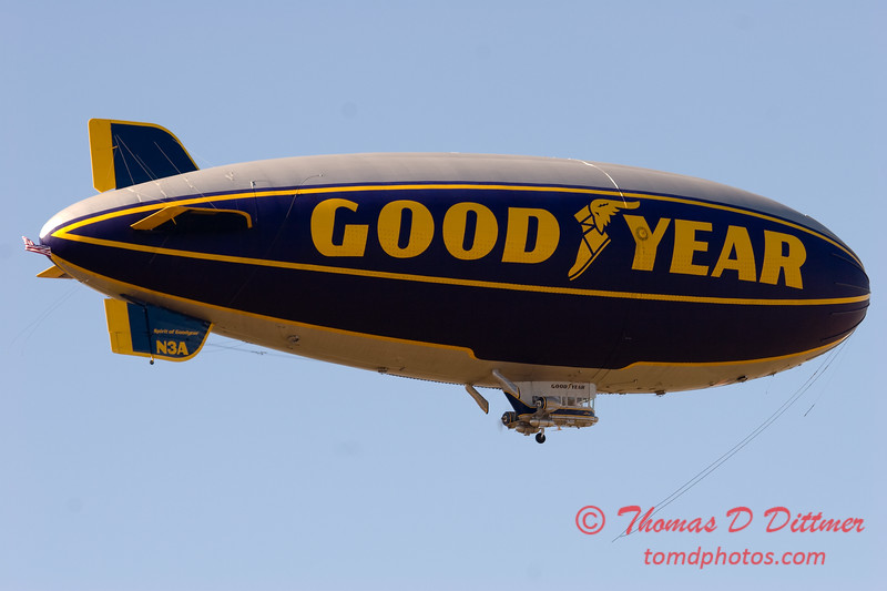 Goodyear Blimp - Aurora Illinois - September 25th 2006 - 2