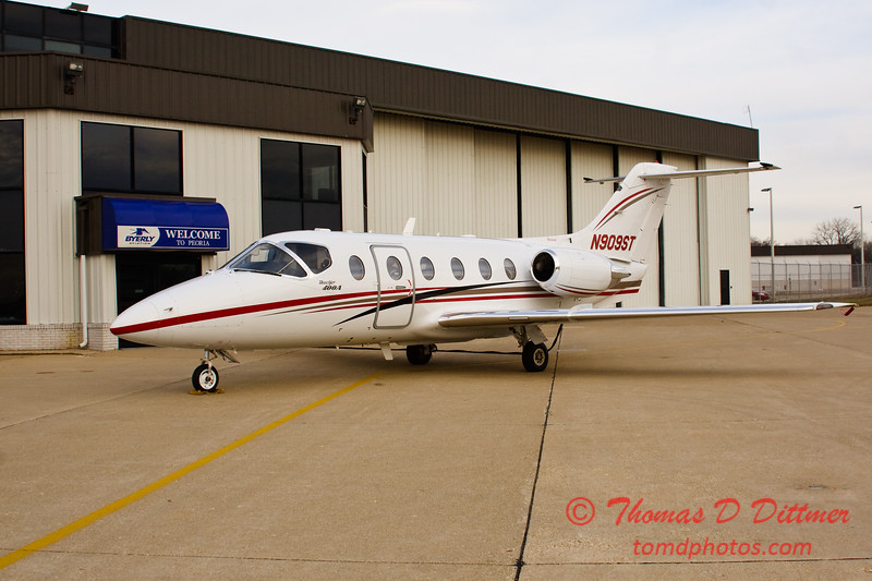 N909ST - Byerly Ramp - Greater Peoria Regional Airport - Peoria Illinois - December 17th 2009 - 1