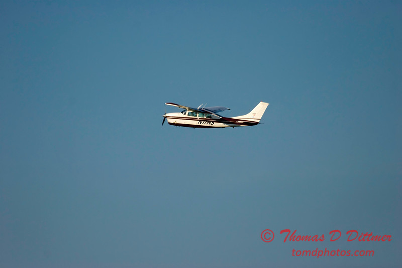 C210 -  Cessna Centurion - Greater Peoria Regional Airport - Peoria Illinois - June 26 2009 - 3