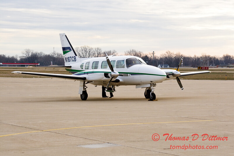 N187CB - Byerly Ramp - Greater Peoria Regional Airport - Peoria Illinois - December 17th 2009 - 5