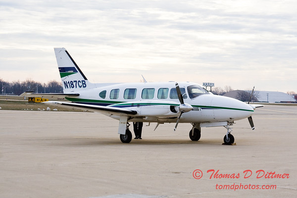 N187CB - Byerly Ramp - Greater Peoria Regional Airport - Peoria Illinois - December 17th 2009 - 6