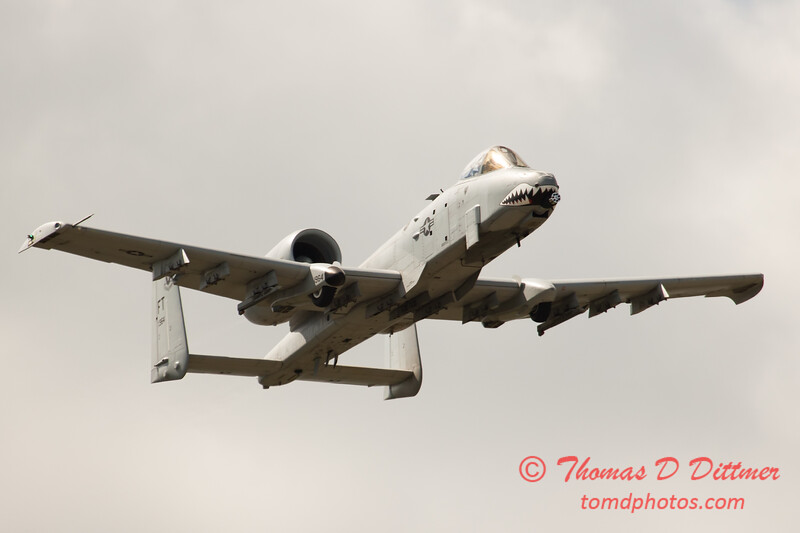 818 - A-10 East flies by Wings over Waukegan 2012