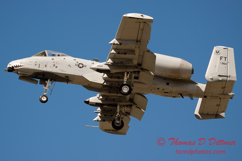717 - A-10 East performs at Wings over Waukegan 2012