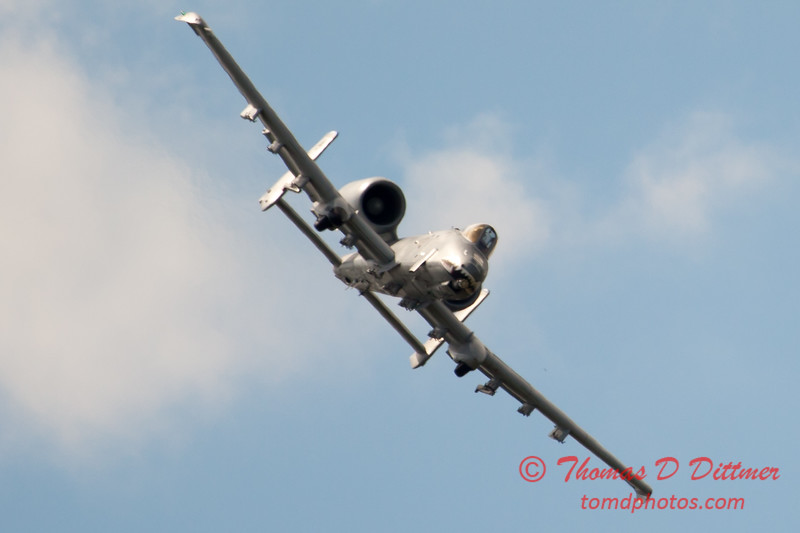811 - A-10 East flies by Wings over Waukegan 2012