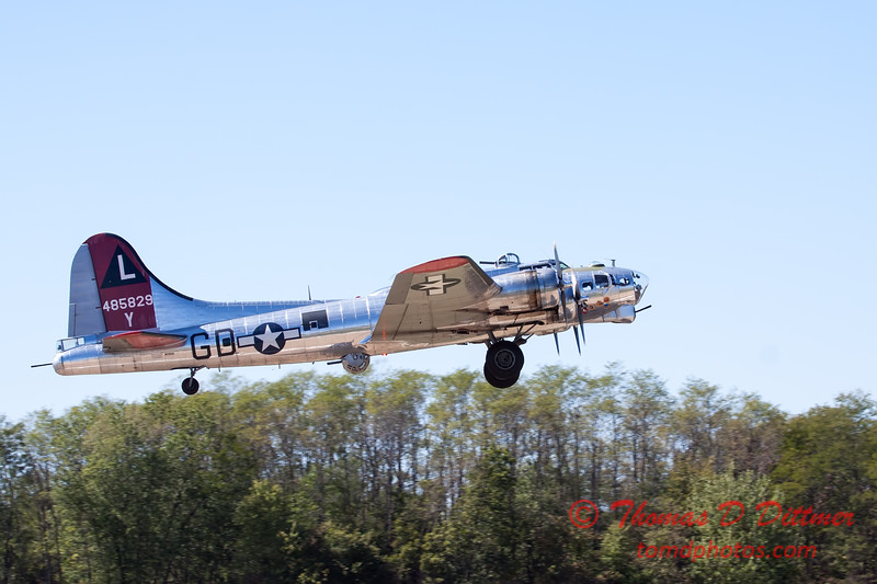 407 - B17 Flying Fortress departure at the South East Iowa Air Show in Burlington Iowa