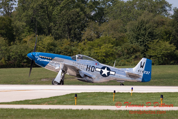 927 - Vlado Lenoch and his P-51 returns to earth at Wings over Waukegan 2012