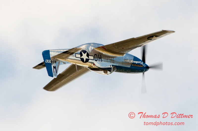 832 - Vlado Lenoch in his P-51 Mustang flies by Wings over Waukegan 2012
