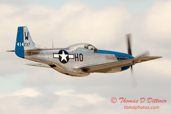 807 - Vlado Lenoch in his P-51 Mustang flies by Wings over Waukegan 2012