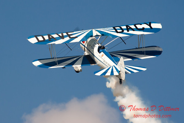 163 - Dave Dacy and his Boeing PT-17 Stearman perform at Wings over Waukegan 2012