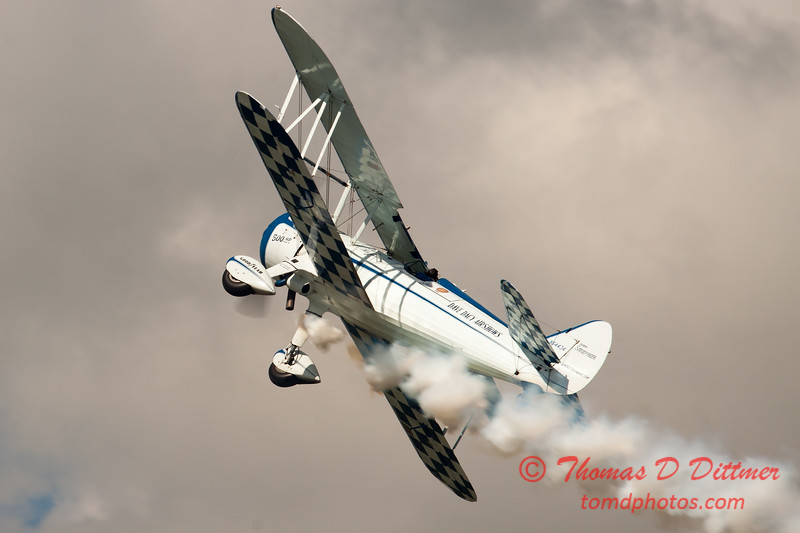 162 - Dave Dacy and his Boeing PT-17 Stearman perform at Wings over Waukegan 2012