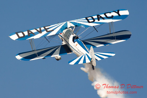 164 - Dave Dacy and his Boeing PT-17 Stearman perform at Wings over Waukegan 2012