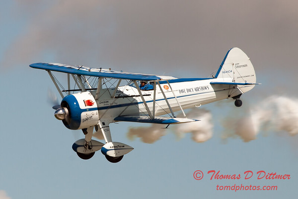 155 - Dave Dacy and his Boeing PT-17 Stearman perform at Wings over Waukegan 2012