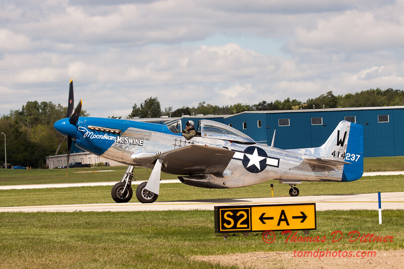 613 - Vlado Lenoch in his P-51 Mustang taxies for departure at Wings over Waukegan 2012
