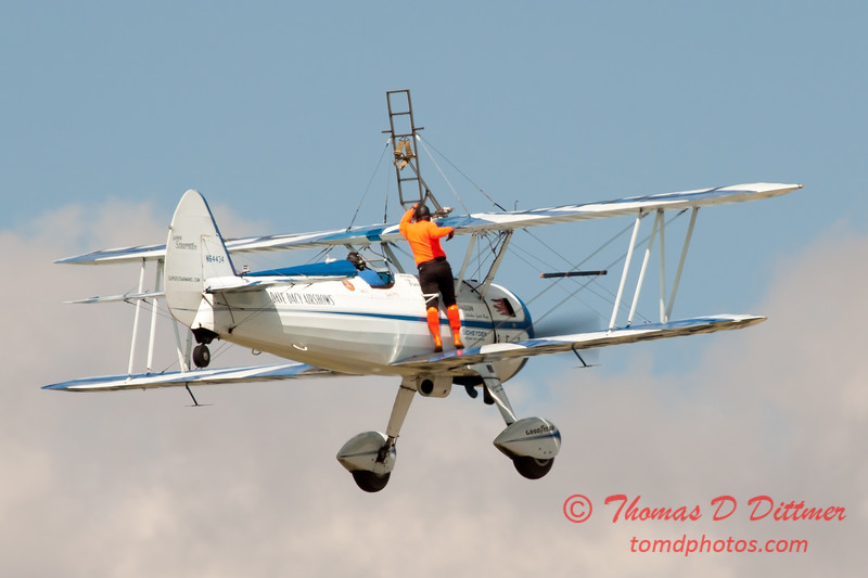 969 - Wingwalker Tony Kazian and Dave Dacy perform at Wings over Waukegan 2012