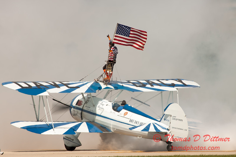 1081 - Wingwalker Tony Kazian and Dave Dacy perform at Wings over Waukegan 2012