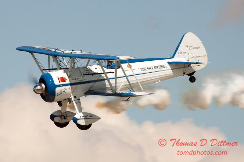156 - Dave Dacy and his Boeing PT-17 Stearman perform at Wings over Waukegan 2012