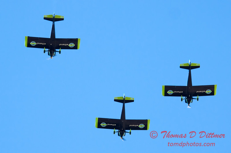 147 - The Vanguard Squadron perform in their ethanol powered RV3's at the South East Iowa Air Show in Burlington Iowa