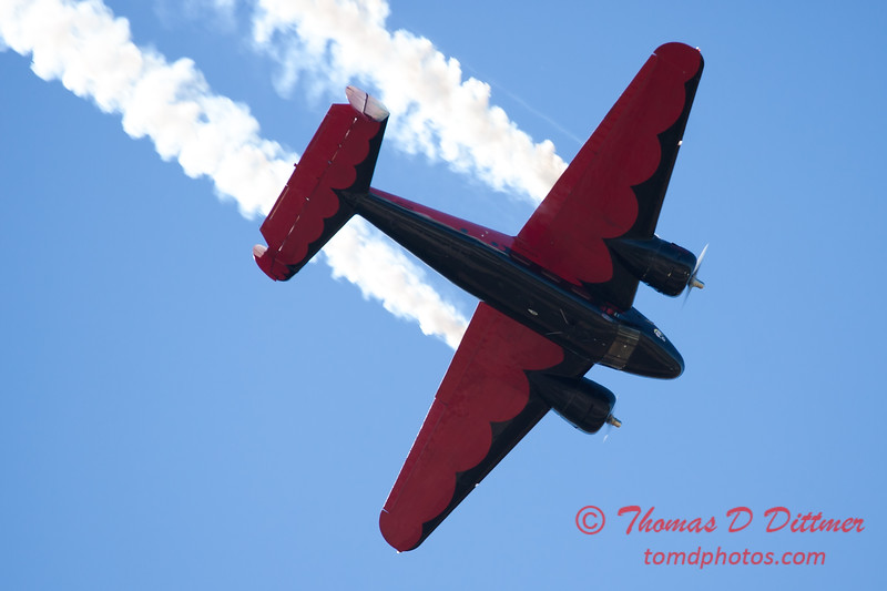 """885 - Matt Younkin performs for fans in his Beechcraft BE18 """"Twin Beech"""" at the South East Iowa Air Show in Burlington Iowa"""