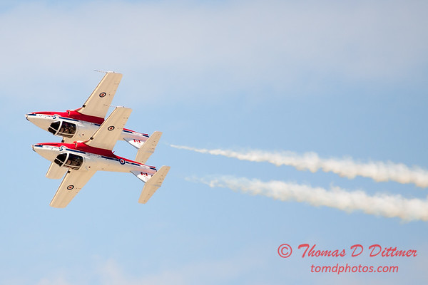 1567 - The RCAF Snowbirds performance at Wings over Waukegan 2012