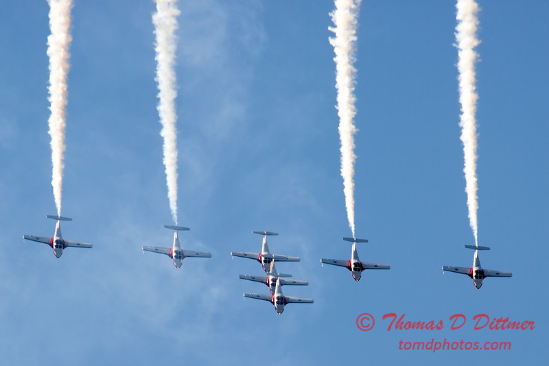 1698 - The RCAF Snowbirds performance at Wings over Waukegan 2012