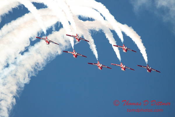 1605 - The RCAF Snowbirds performance at Wings over Waukegan 2012