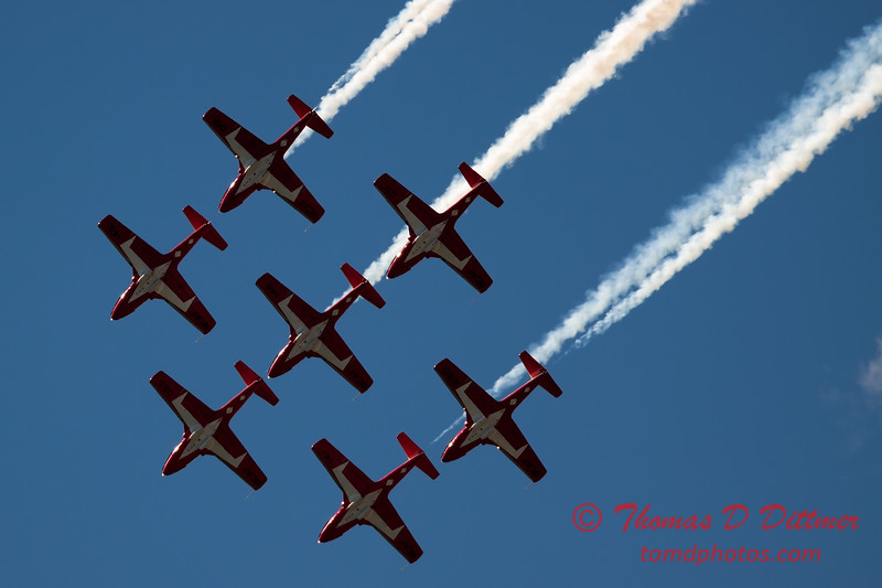 1558 - The RCAF Snowbirds performance at Wings over Waukegan 2012