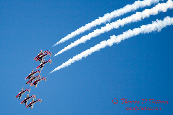 1376 - The RCAF Snowbirds performance at Wings over Waukegan 2012