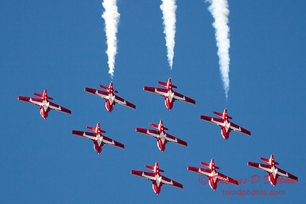 1354 - The RCAF Snowbirds performance at Wings over Waukegan 2012