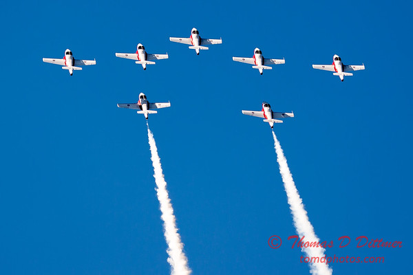 1637 - The RCAF Snowbirds performance at Wings over Waukegan 2012